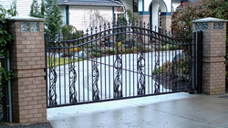 Coatney Fence, Fencing Company, Installation, Automatic Gates, Washington, Puyallup, Chain Link, Wood, Orting, Sumner, Bonney Lake